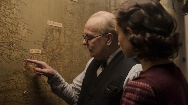 Churchill, en una escena de «El instante más oscuro»