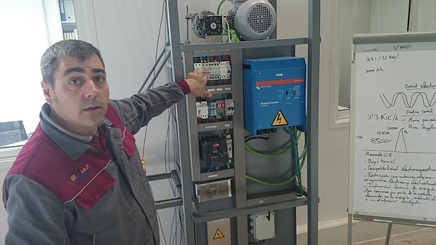 José Juan Domínguez es el gerente de la empresa que fabrica el aparato