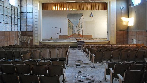 Pueblo abandonado de el Torbiscal Torbiscal-teatro-utrera--620x349
