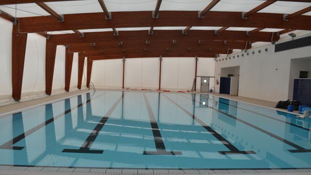 clausuran la piscina municipal de bormujos por graves