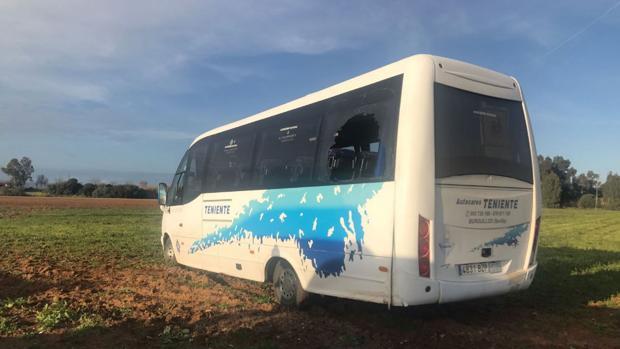 El autobús accidentado esta tarde en Carmona
