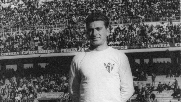 Fallece Ángel Oliveros, mítico jugador del Sevilla de los años 60