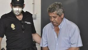 El acusado, en junio de 2015, tras serr arrestado por el crimen de su esposa