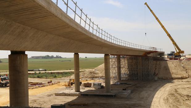 Estado actual de las obras de la SE-40 a la altura del tramo entre Alcalá de Guadaíra y Dos Hermanas