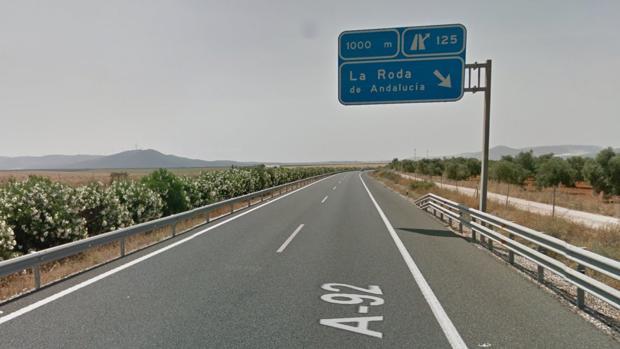 El accidente ha tenido lugar en el kilómetro 127 de la A-92 en el municipio de La Roda de Andalucía