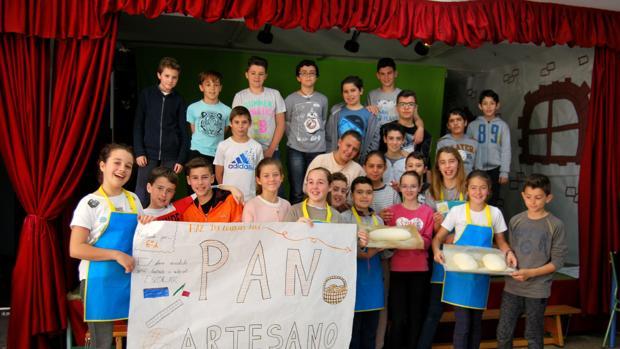 Foto de los alumnos del colegio Manuel Alonso que han participado en esta experiencia