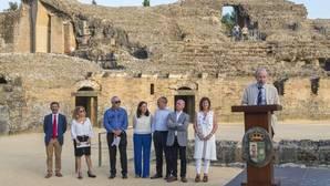 Un momento del acto de presentación de la candidatura de Itálica para ser Patrimonio de la Humanidad