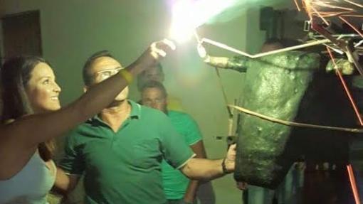 Prendiendo el «toro de fuego» en Isla Mayor