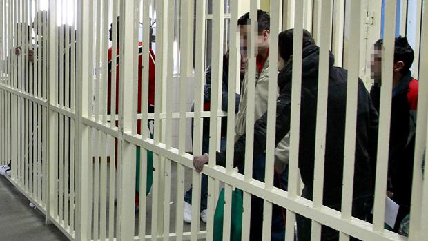 Los sindicatos han pedido el traslado del interno agresor a otro Centro Penitenciario