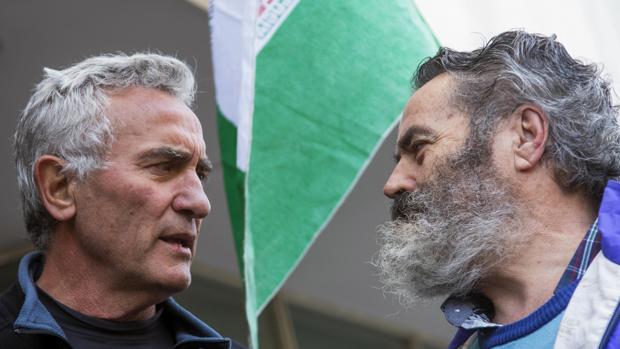 Diego Cañamero (izquierda) junto con el alcalde de Marinaleda, Juan Manuel Sánchez Gordillo
