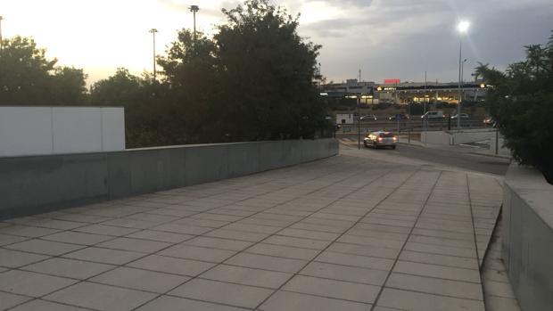La pasarela unirá el polígono PISA con la estación del metro de Ciudad Expo