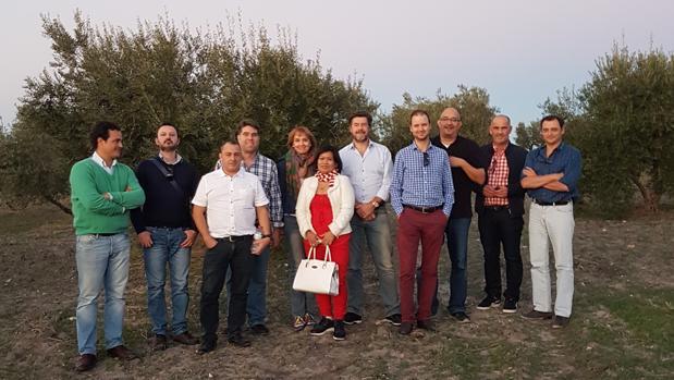 Representantes de países europeos han visitado Arahal para conocer el origen del aceite de calidad «gourmet»