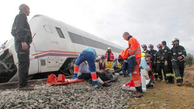 El accidente de tren en Arahal se saldó con 35 heridos, dos de ellos graves