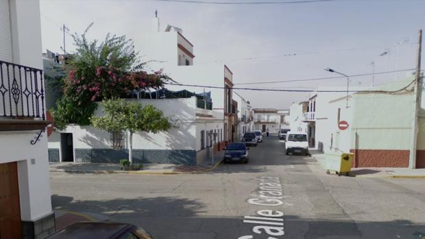 El incendio se ha producido de madrugada en una vivienda de la calle Granada de Villanueva del Río