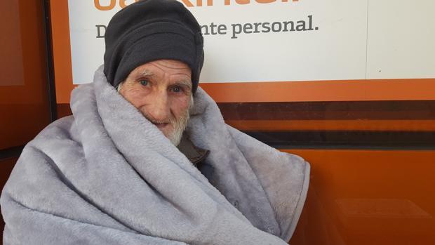 Antonio Escobar, de 71 años, lleva durmiendo en la calle 15 años