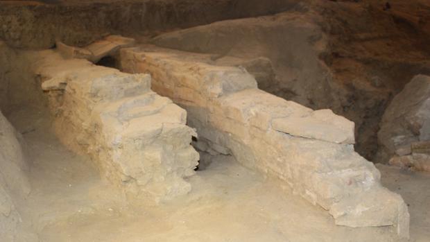 Una excavación en la zona del Monumento ha sacado a la luz una bodega de la época de Augusto