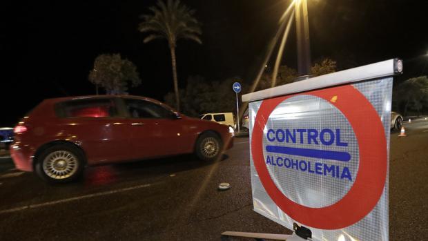 La Guardia Civil y la Policía Local de Castilleja han detenido a un conductor que sextuplicaba la tasa permitida de alcohol