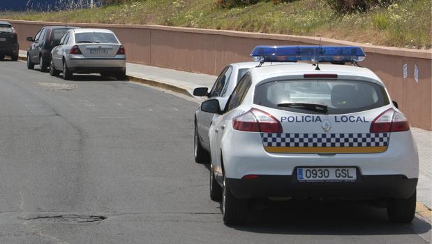 La Policía Local de Castilleja de la Cuesta ha detenido a un repartidor por conducir drogado