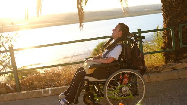 Rafael Luego es un ejemplo diario por su lucha y afrontar varios retos contra su enfermedad de Duchenne