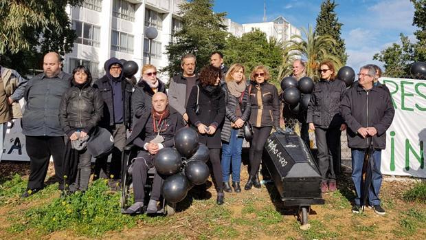 Movilización contra el cierre de la residencia de Montequinto
