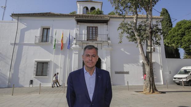El Supremo ha devuelto a un juzgado de Sevilla la causa del alcalde de Tomares
