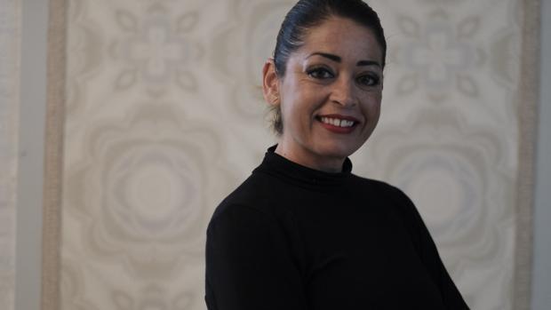 La loreña Amparo Muuñoz publica cada día una fotografía de una mujer en las redes sociales