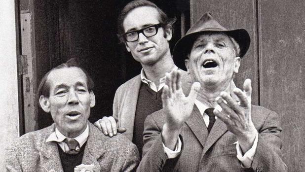 Steve Kahn (centro) junto a Diego del Gastor y Joselero