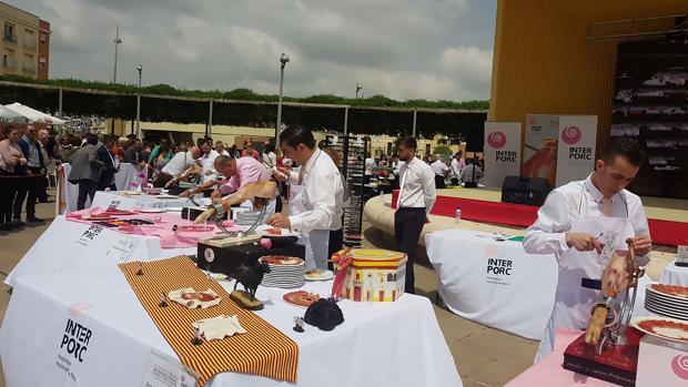Uno de los instantes del concurso internacional en la Plaza del Arenal