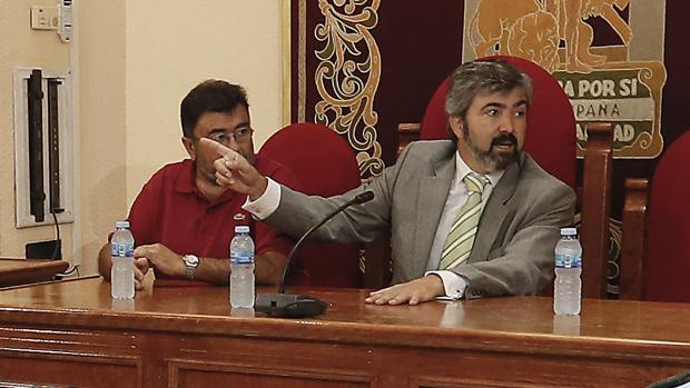 La Fiscalía pide nueve años de inhabilitación para el alcalde Modesto González
