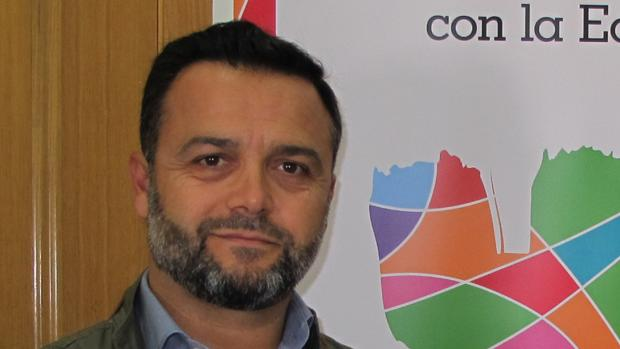 El alcalde de Las Cabezas de San Juan, Francisco José Toajas