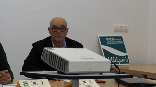 El actual gerente de Adelquivir, José Antonio Navarro, en una reciente reunión con entidades de Corea del Sur