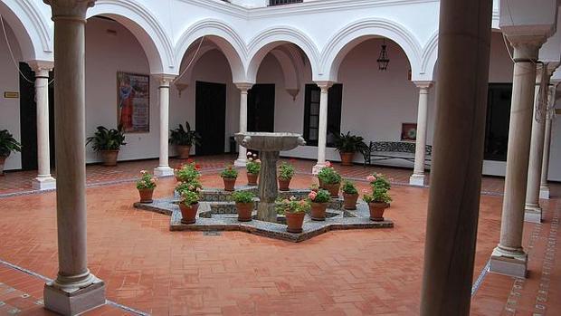 La jornada se celebra en las instalaciones de la Casa de la Cultura de Utrera