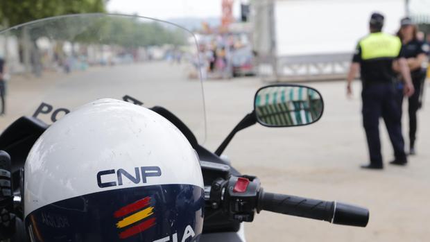La Policía ha detenido a dos jóvenes del municipio de Lebrija