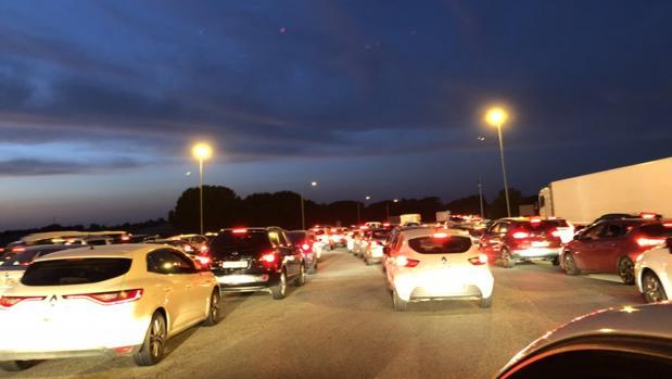 Retenciones en la autopista de Cádiz
