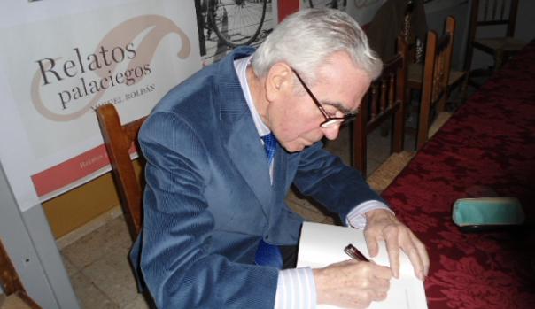 Roldán en la presentación de su último libro, el 19 de diciembre de 2011