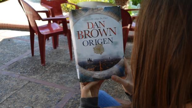 El escritor Dan Brown se ha sentido atraído por los matices del fenómeno de El Palmar de Troya