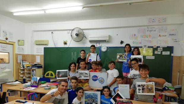 Alumnos integrantes del proyecto que les llevará a hablar con los astronautas