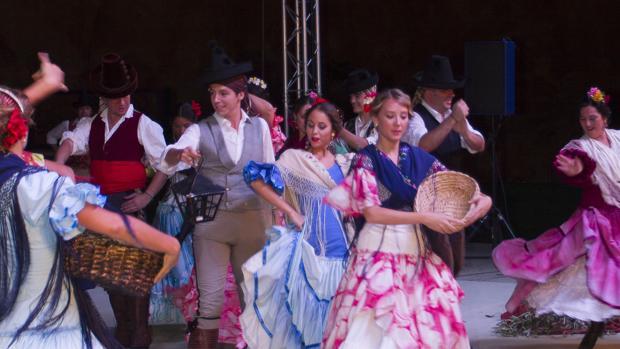 M sica y danza internacionales en las jornadas folcl ricas - El tiempo en dos hermanas sevilla por horas ...