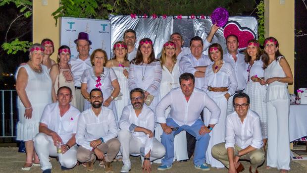 La asociación ha celebrado su primer año de existencia con una «Noche en blanco»