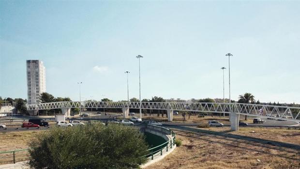 Nueve empresas pujan por el nuevo contrato de obras de la pasarela ciclopetaonal de Ciudad Expo al PISA