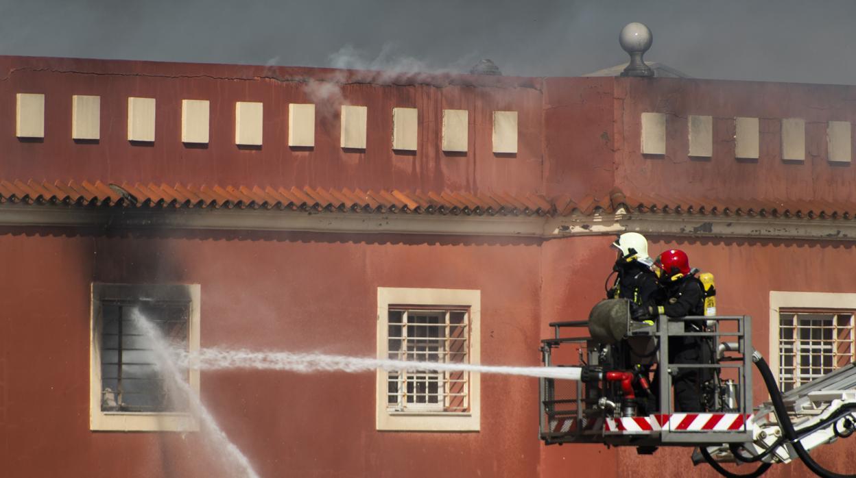 Incendio alcal de guada ra incendio de grandes for Registro bienes muebles sevilla