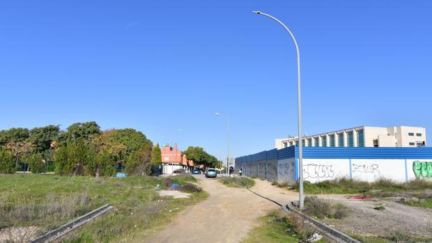 La calle Isadora Duncan de Tomares, por la que se accederá directamente al metro de San Juan Alto