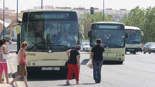 Este lunes entra en servicio la nueva línea de autobuses entre Camas y la estación de metro de San Juan Bajo