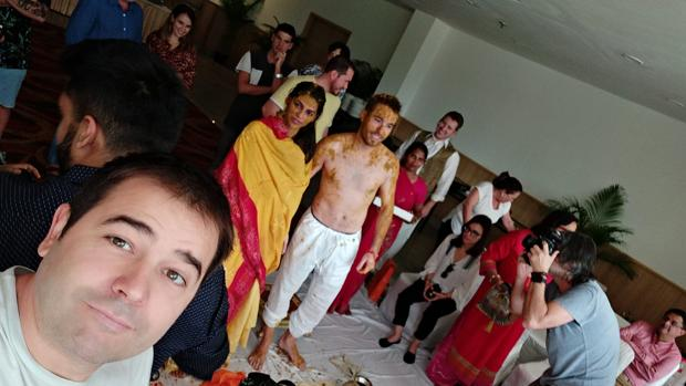 El utrerano Juanlu Galán ha tenido la oportunidad de conocer desde dentro una boda hindú