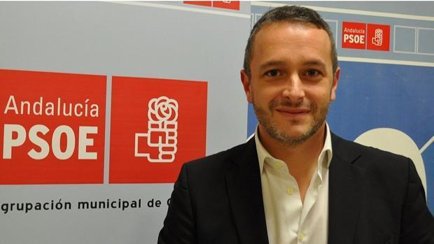 El Tribunal Mercantil inhabilita tres años al alcalde de Camas Rafael Recio por el concurso de Sodecsa