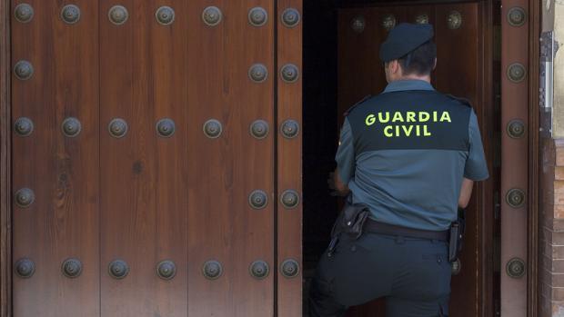 Imagen de una agente de la Guardia Civil
