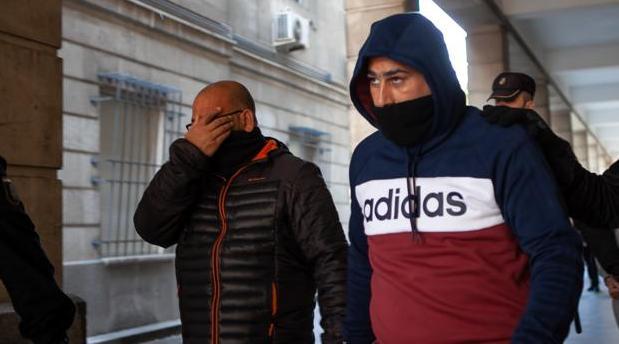 «El Pollino», a la derecha, en los juzgados de Sevilla