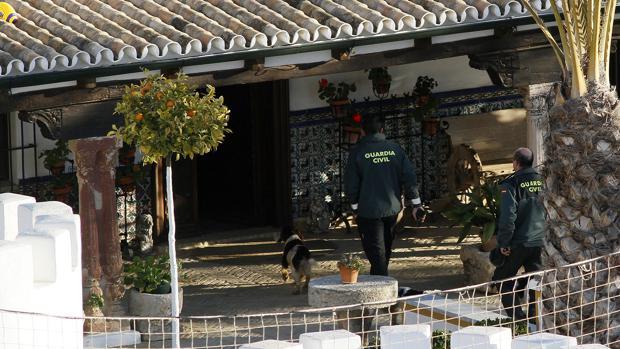 La Guardia Civil investiga en la Finca de Morante de la Puebla