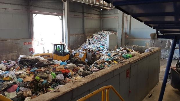 Encuentran el cadáver de una persona en la planta de residuos de Montemarta en Alcalá de Guadaíra