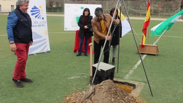 Colocación de la primera piedra de la reforma integral del polideportivo Alcalde Fernando Suárez Villar